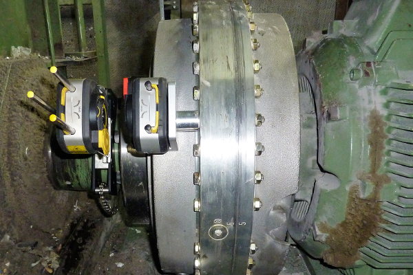 Aligning large dimension couplings